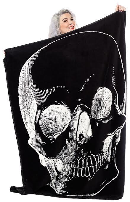 Skull Fleece Blanket from Sourpuss