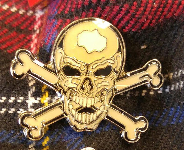 Enamel Skull & Crossbones Pin from Switchblade Stiletto (MP26)