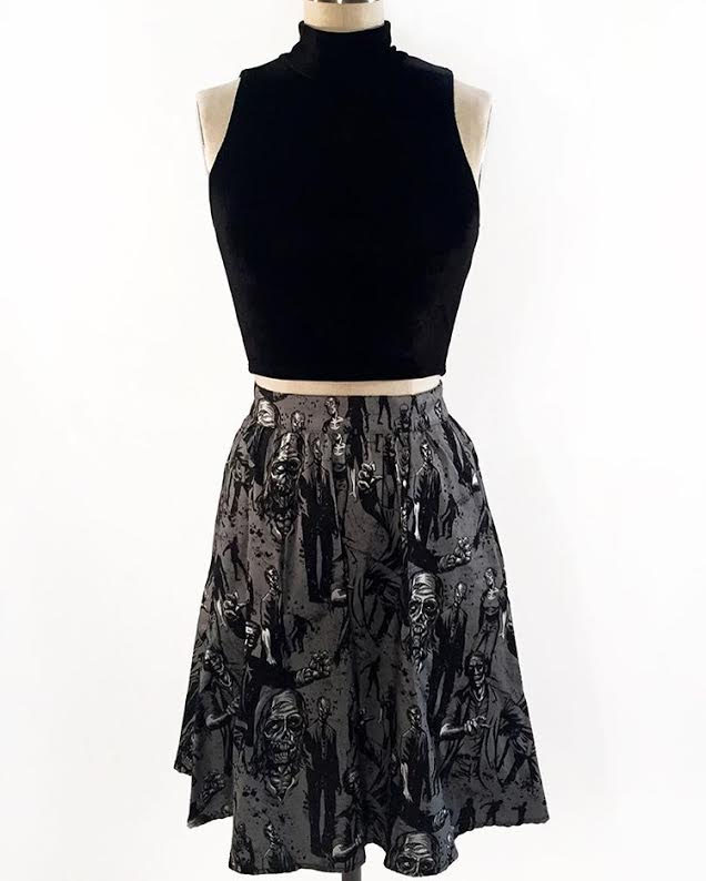 Black Velvet Crop Top Folter / Retrolicious
