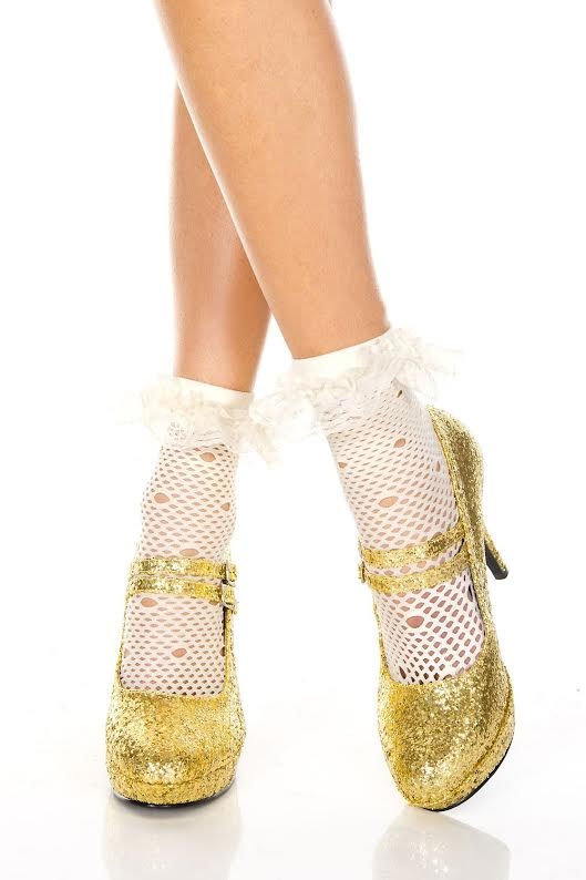 Distressed Fishnet Ankle Socks - in white
