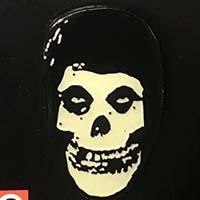Misfits- Glow In The Dark Hooded Fiend Skull Enamel Pin (MP391)