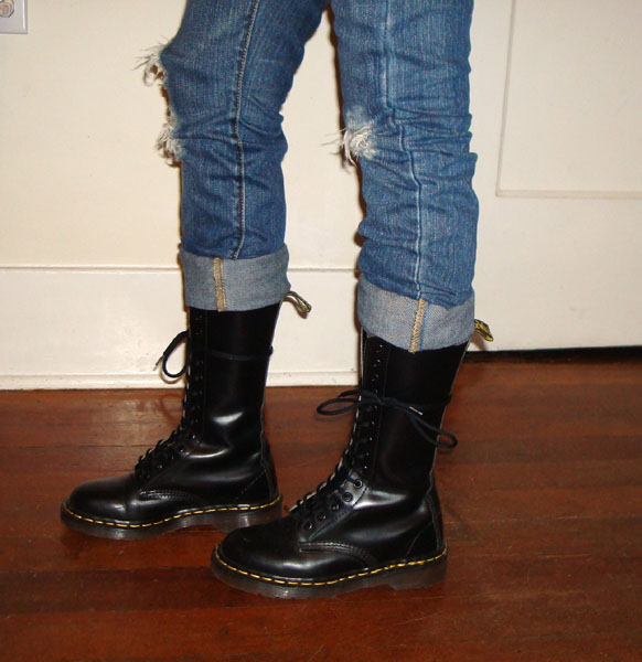 14 Eye Black Smooth Dr. Martens Boot. » 85a3a80364ad
