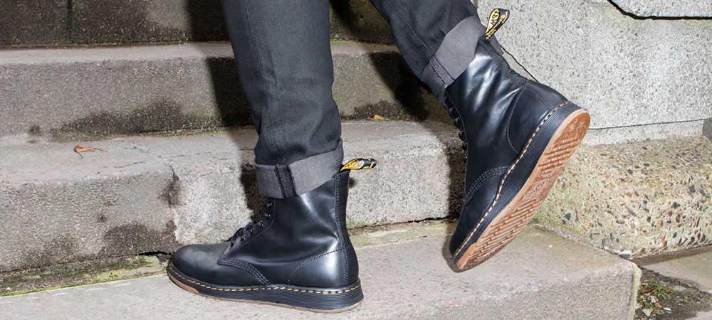 Dr. Martens Newton 8-Eye Leather Boot X7qivabC