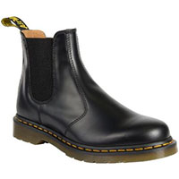 Chelsea Boot in Black Smooth Dr. Martens Boots