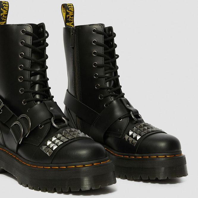 Dare cubo Margaret Mitchell  Jadon Studded 10 Eye Thick Sole Side Zip Dr. Martens Boots- Black Smooth