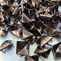 "1/2"" Gunmetal Black Pyramid Studs- 100 pack (13mm)"