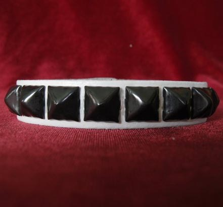 1 Row Pyramid Bracelet by Ape Leather (White Leather/Black Pyramids)