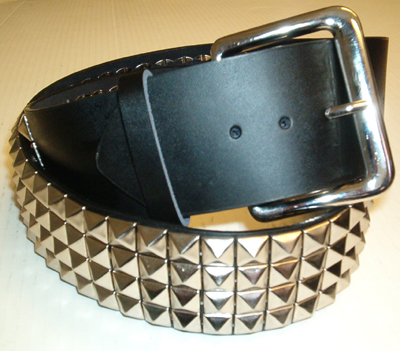 """2 1//4/"""" Wide Double Row Pyramid Stud And Spike Classic Style Guitar Strap"""