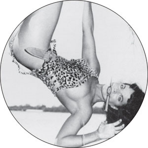Bettie Page- Hanging pin (pinX139)