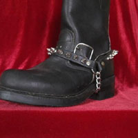 1 Row Of Spikes Bootstrap by Ape Leather